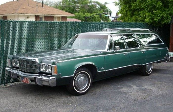 Hemmings Find Of The Day 1975 Chrysler Town And Co Chrysler