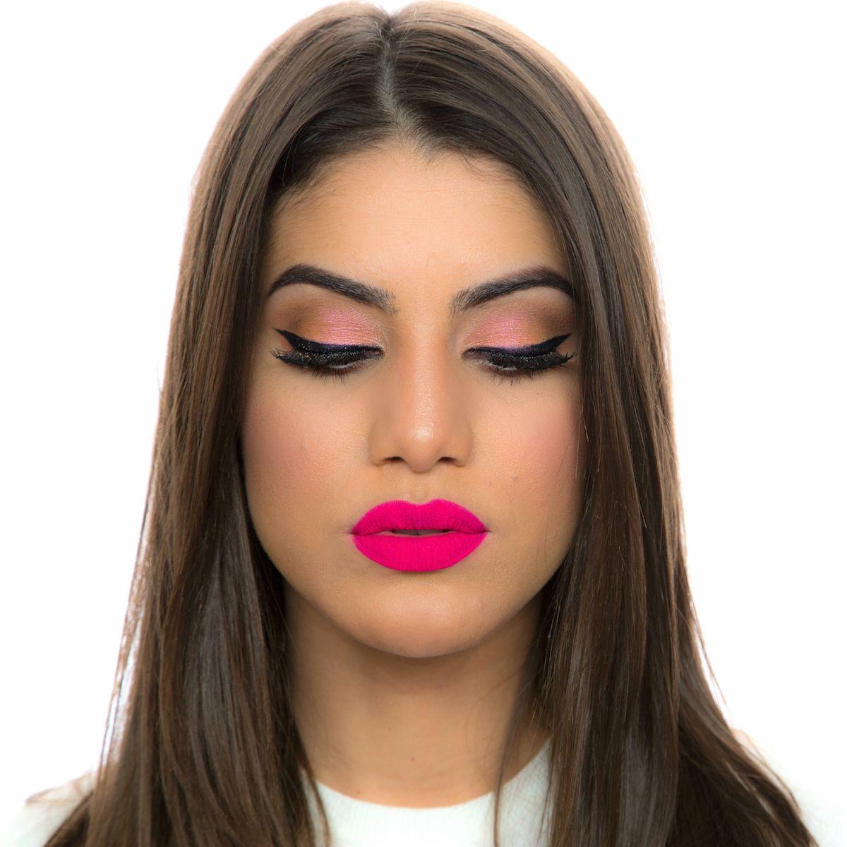 Tutorial: Maquiagem feminina meio retrô