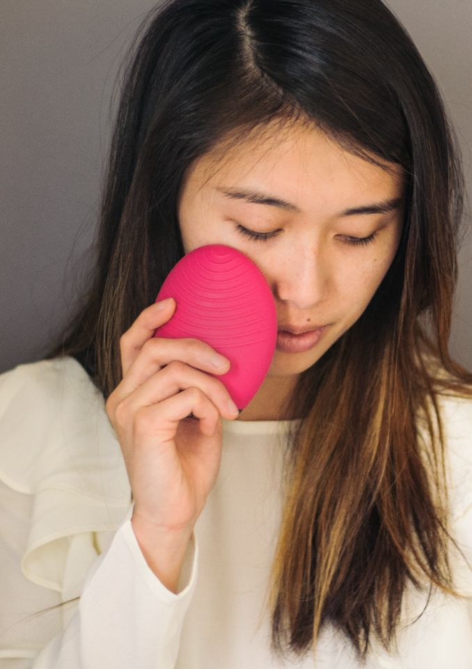 ReadyTwoWear, a personal style blog that started from friendship. San Francisco, CA. : Foreo Luna 2 Professional Review
