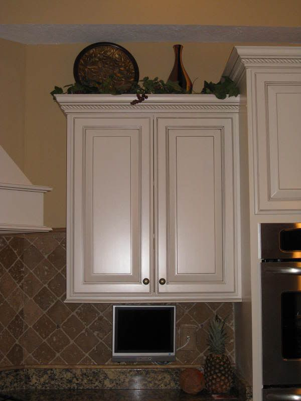 Whats On Top Of Your Kitchen Cabinets Home Decorating Design Forum Gardenweb Cabinet Decor Free Beautiful