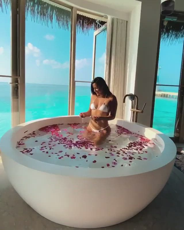 Explore the most amazing honeymoon destinations and resorts in the world. Amazingly affordable honeymoon destinations like this are available around the world.