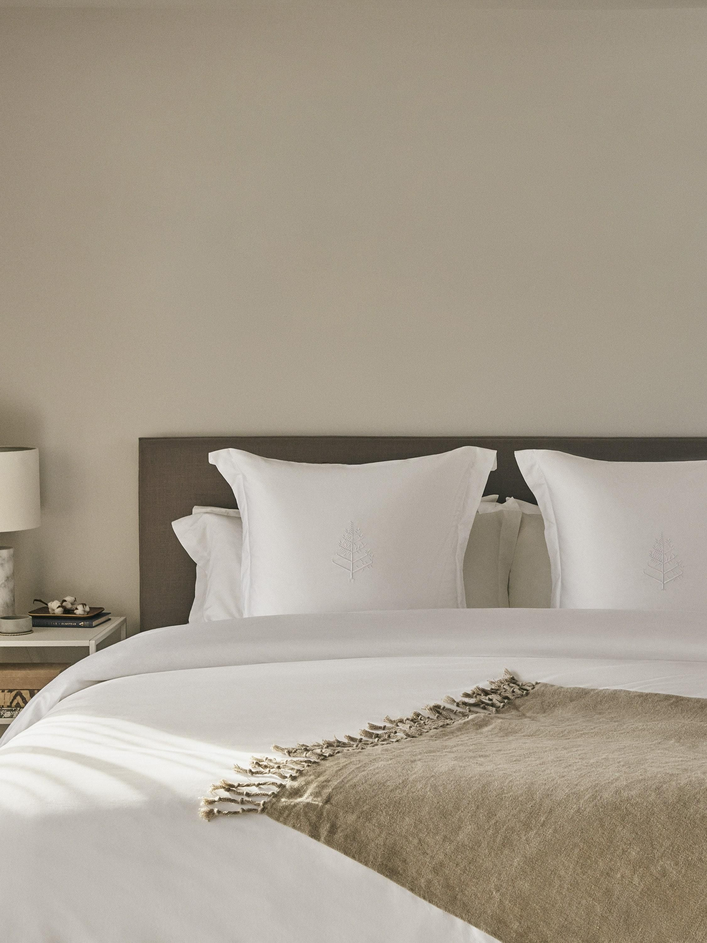 Luxury Hotel Bedding, Towels & Linens Four Seasons At