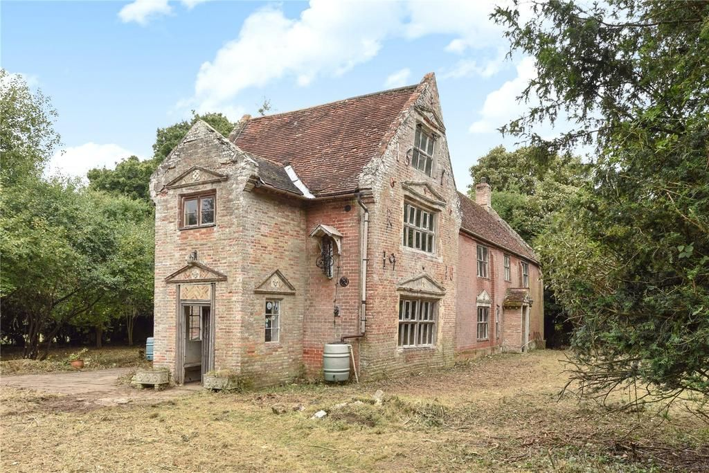 Norwich Road Ditchingham Bungay Suffolk 6 Bed Detached House 295 000 Gate House Suffolk Luxury Retreats