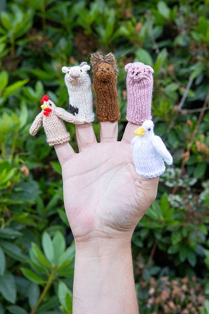 Free Knitting Pattern For Farmyard Finger Puppets Knittingcrochet