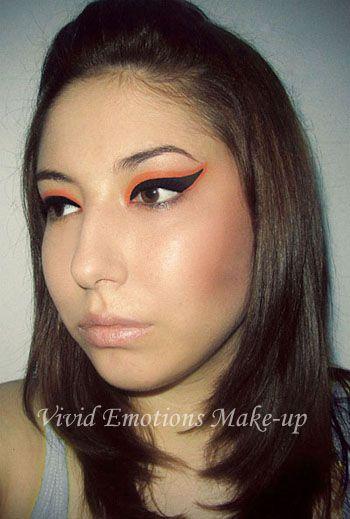 graphic eyeliner make-up