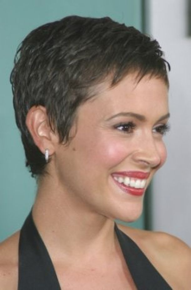 It Suits Square Round Heart Oval Or Diamond Face Shape Short Cropped Hair Crop Hair Super Short Hair