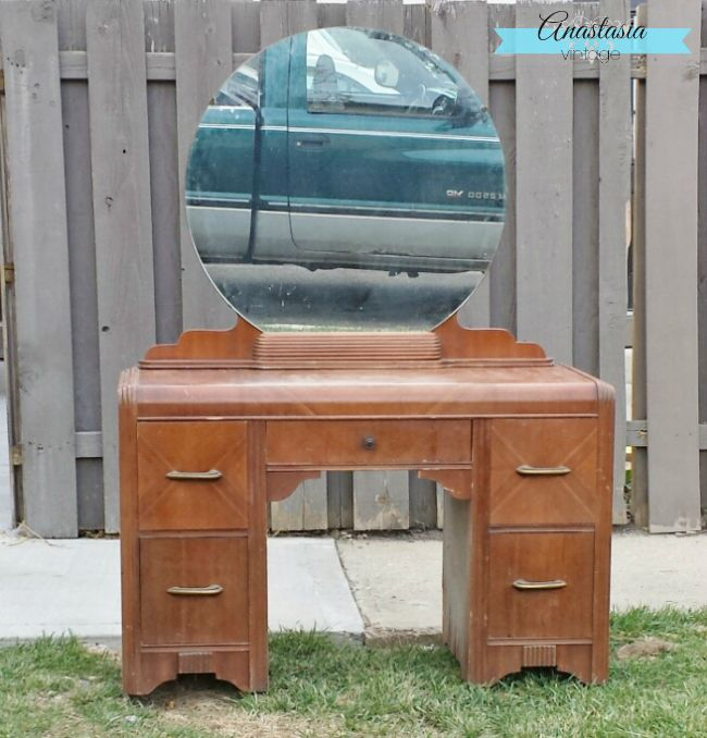 Old Hollywood Glam: 1930s Vanity Makeover - Old Hollywood Glam: 1930s Vanity Makeover The Pretty Pintastic