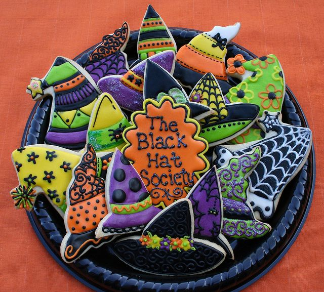 Halloween Hats Cookies  would be cute done in felt