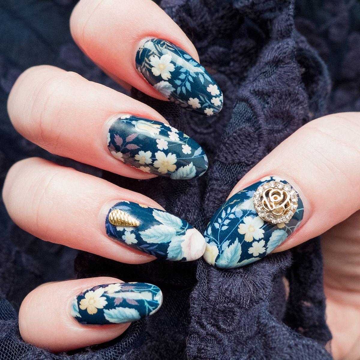 blue dahlia nail wrap design by appliq