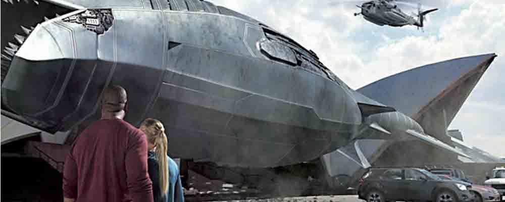 Mega Shark vs Mecha Shark (2014) FANTASCIENZA – DURATA 90′ – USA L'intero oceano si trasforma in un sanguinoso campo di battaglia quando il governo statunitense commissiona la costruzione di uno squalo meccanico altamente tecnologico per fermare il mega squalo che, in preda alla furia, sta terrorizzando tutto il pianeta…