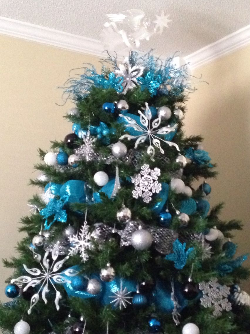 Our Christmas Tree 2014 Blue Teal Silver White W Black Accents Christmas Tree Themes Christmas Tree Decorations Glam Christmas Tree