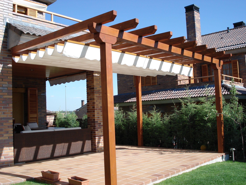 P rgolas de madera ideas para el hogar pinterest for Vigas de madera para jardin