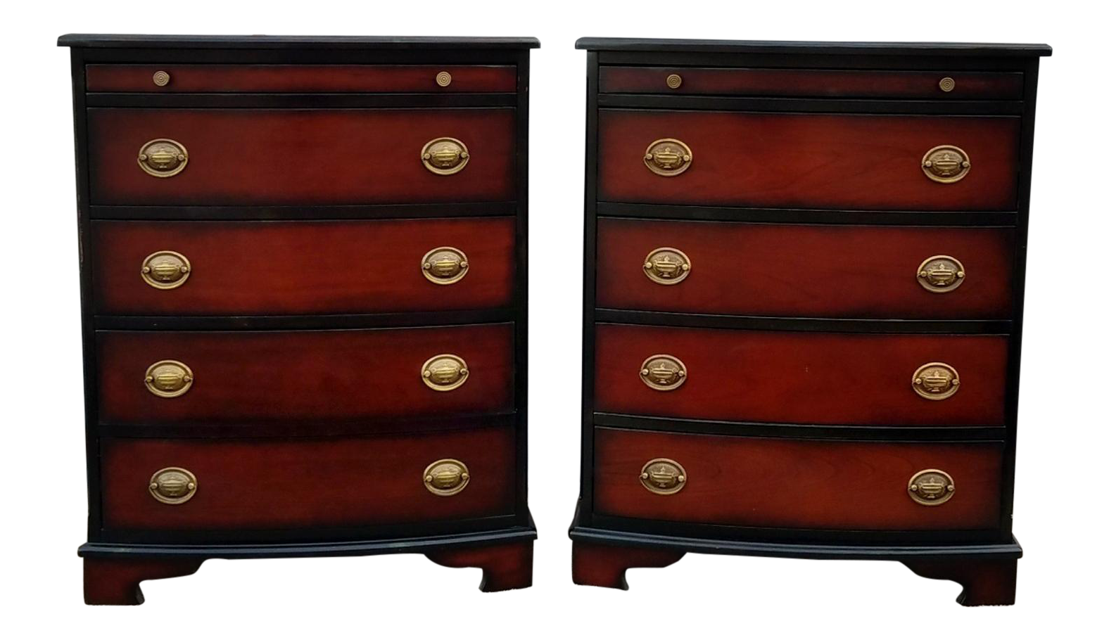 1990s Traditional Bombay Co 4 Drawer Bow Face Bachelor Chests A Pair On Chairish Com Bachelors Chest Bedside Tables Nightstands Traditional