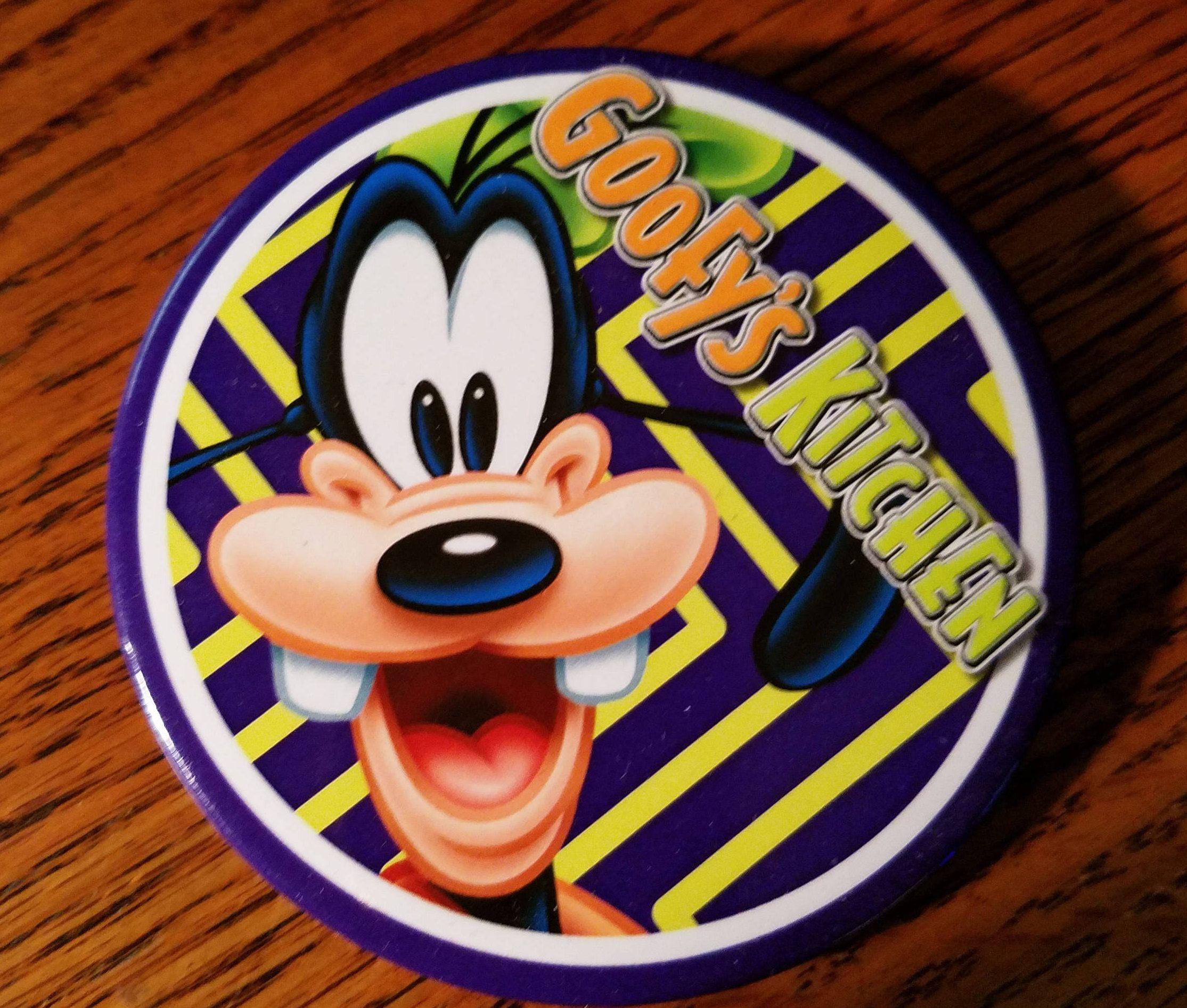 Vintage Goofy Kitchen Souvenir Button Pin Walt Disney S Etsy Disney Buttons Disney Collectables Disneyland Hotel