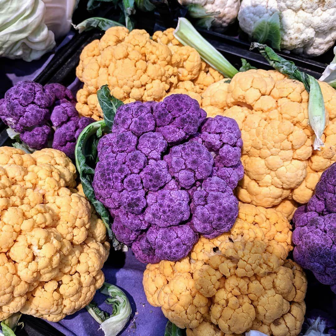A Variety Of Cauliflower In Carrefour Riyadh تشكيلة من خضار الزهرة في كارفور Cauliflower Colored Vegetables Market Grow Farm Vegetables Cauliflower Food