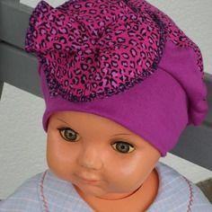 Bonnet béret chapeau créateur pour bébé en jersey violine et coton imprimé  chats 77c2e9fc45d