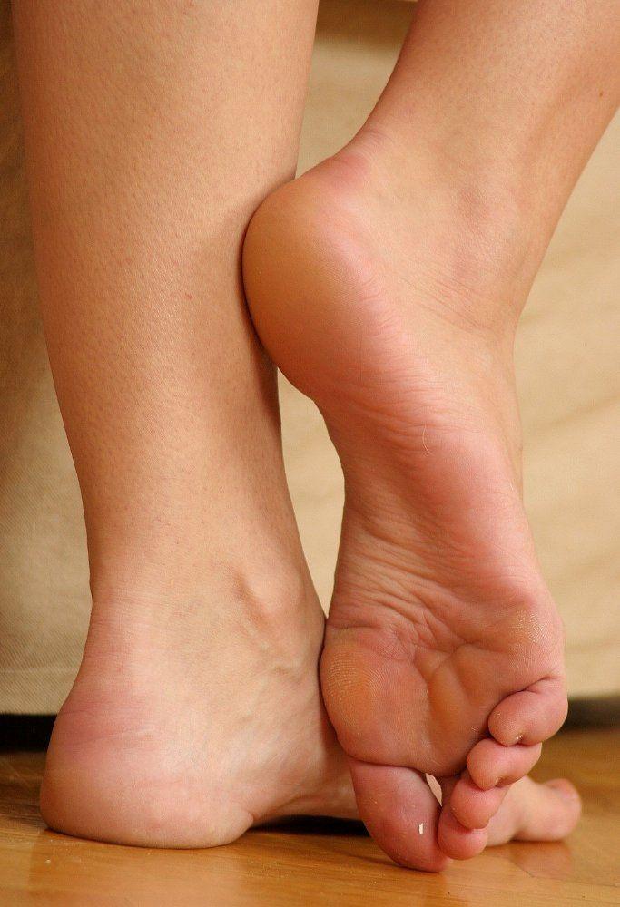 Erotic stories about the sensations of barefoot concubines