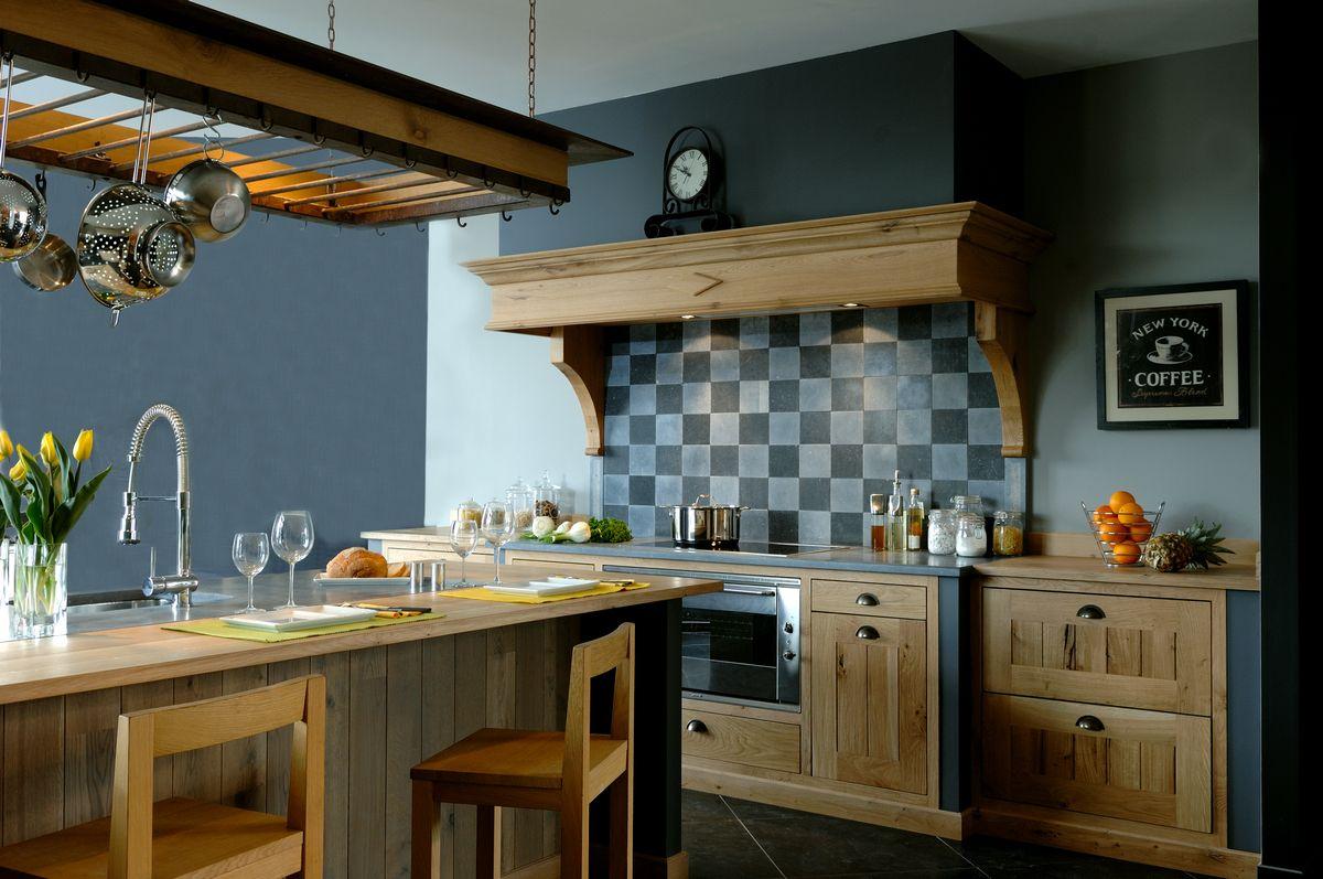 Une cuisine retro et élégante signée YANAOZ, l'un des nos exposants 2014 !  (http://saint-raphael.salonhabitat.fr)
