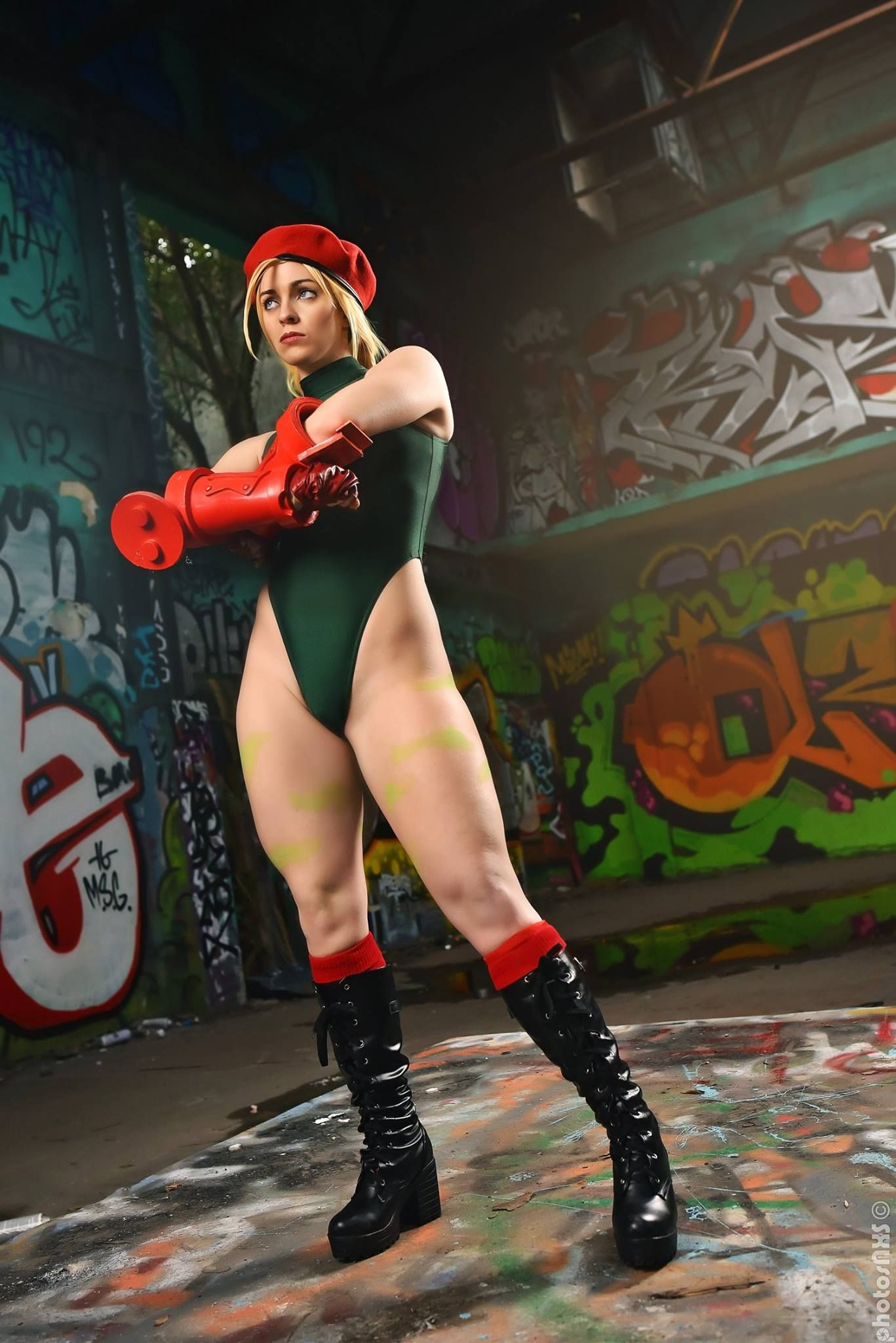 naked Street fighter cammy cosplay