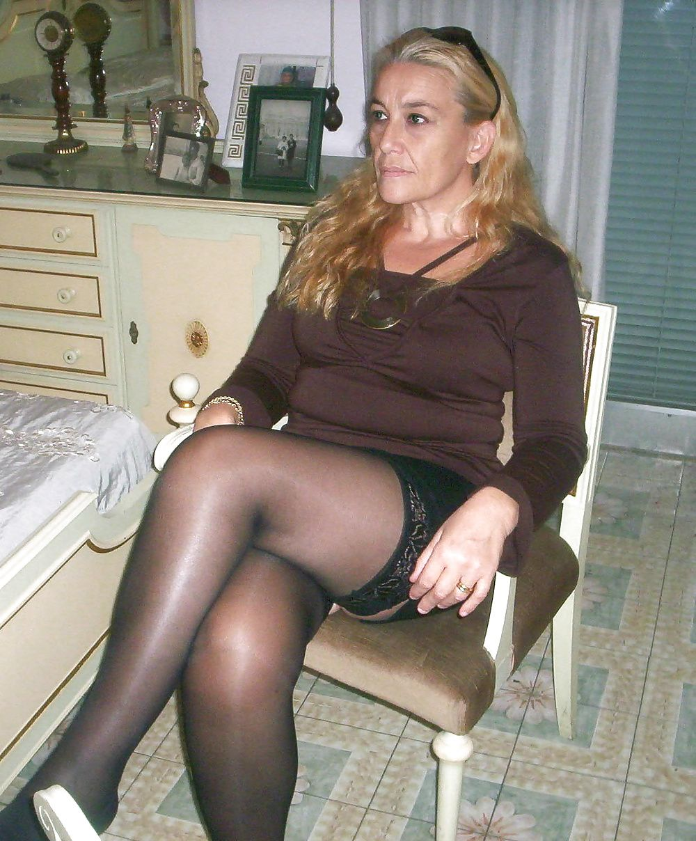 Nurses in grey pantyhose feet - Nude photos