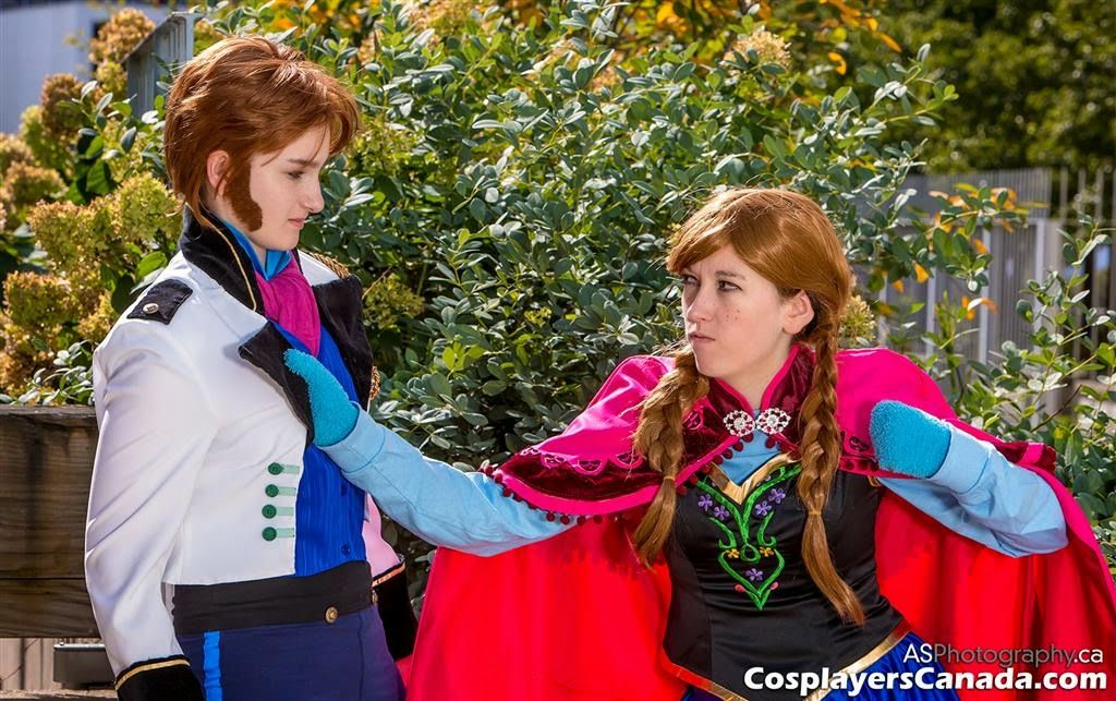 Cosplayers Canada: Hans and Anna from Frozen at HCC 2014