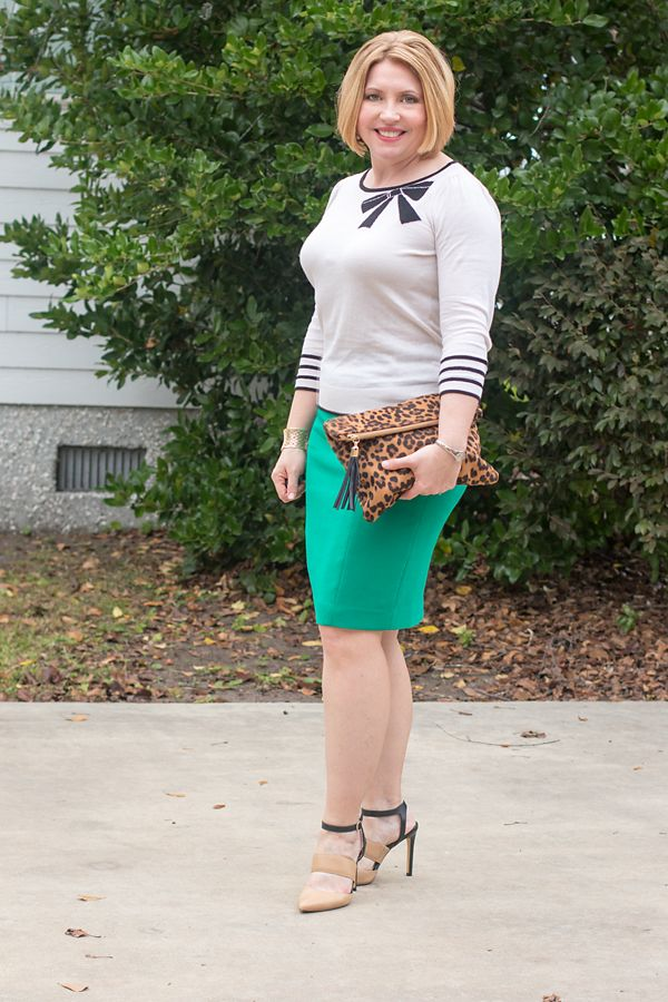 41986b6c59 Outfit formula - Savvy Southern Chic, green pencil skirt, bow sweater, holiday  outfit