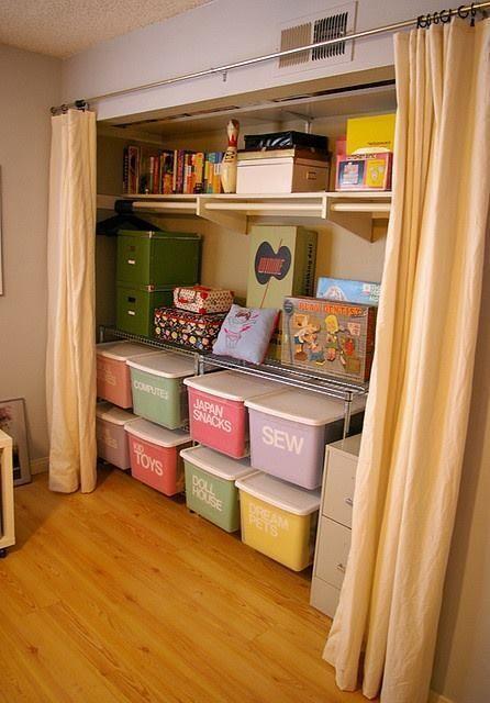 Love the labels on these storage bins hogar - Organizadores hogar ...