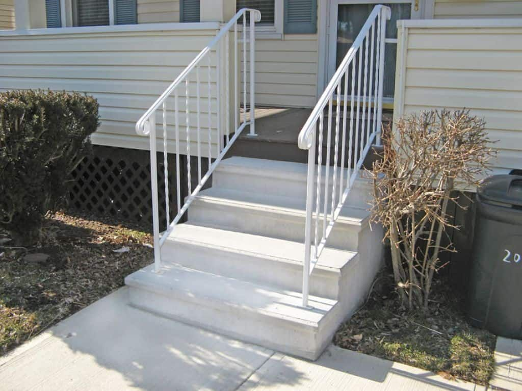 Best Precast Concrete Outside Steps In 2019 Outside Steps 640 x 480