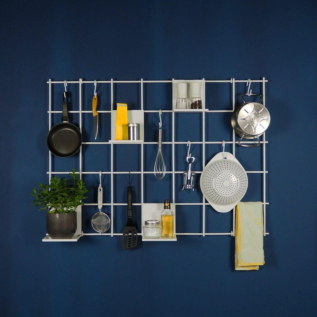 In Der Küche Immer Alles Griffbereit Haben: Ob Gewürze, Kräuter,  Topflappen, Oder