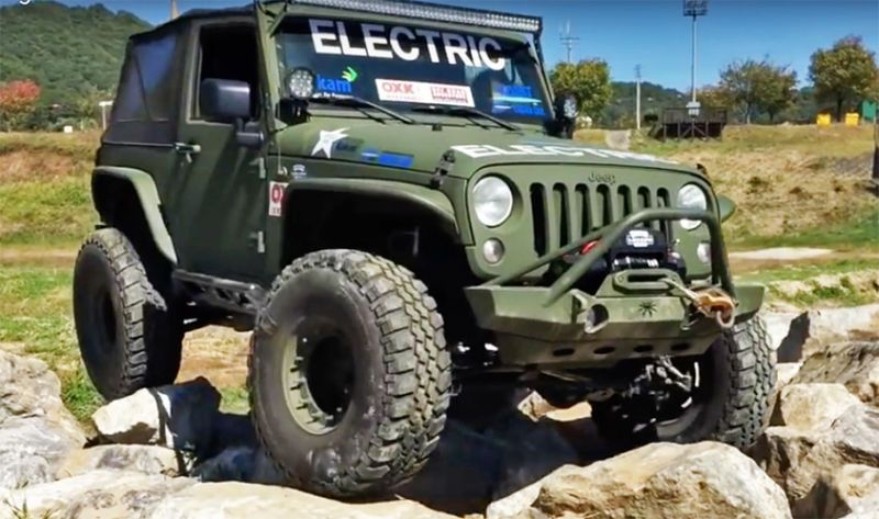 Watch These Electric Jeep Wranglers Put Gas And Diesel Jeeps To
