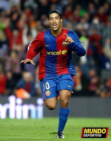 Saison 2006 2007 0363 Galerie Photos De Ronaldinho10 Com Lionel Messi Barcelona Football Is Life Football Pictures