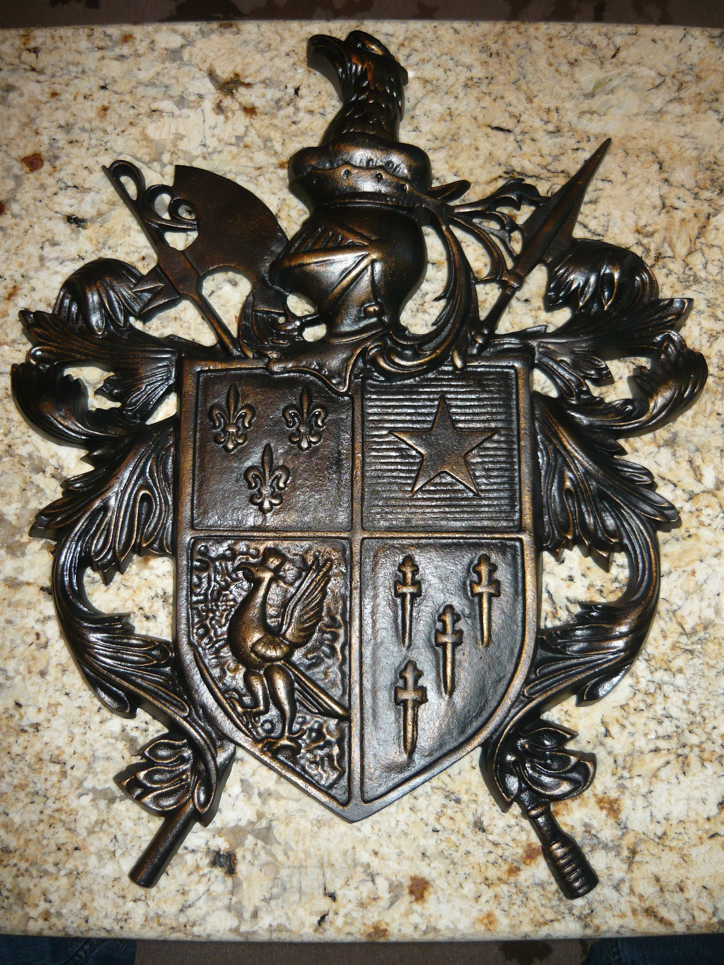 Cast aluminum shield wall plaque medieval old world royal castle home decor - Plaque de decoration ...
