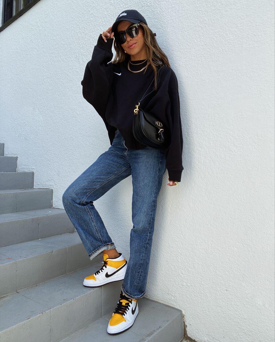Nike Sweatshirt Outfit In 2021 Fashion Influencers Fashion Jordan Outfits Womens [ 1200 x 965 Pixel ]