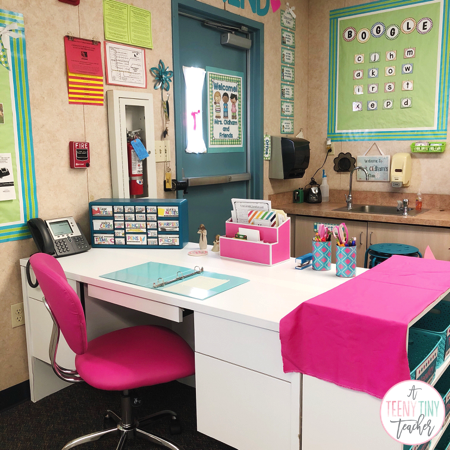 Diy Teacher Desk A Teeny Tiny Teacher Teacher Desk Areas Teacher Desk Organization Teachers Diy