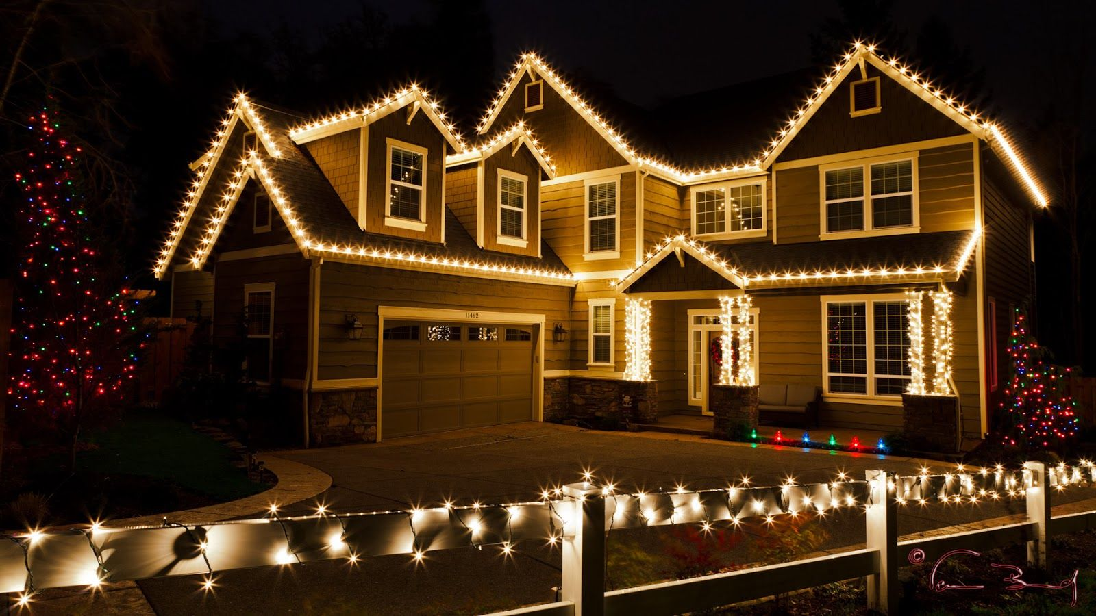 casas de navidad con luces Luces de navidad, Colgar