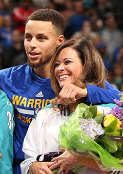 Steph Curry S Mother Sonya Tearfully Reflects On His Journey To Nba Superstardom Steph Curry Stephen Curry Mom Stephen Curry Family