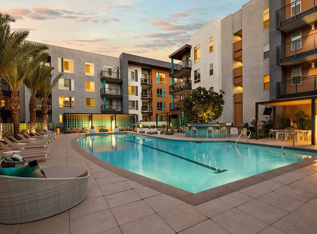 The Resort Style Salt Water Pool At Amli Uptown Orange Is Available To Residents Year Round Looking For Apartments Saltwater Pool Uptown