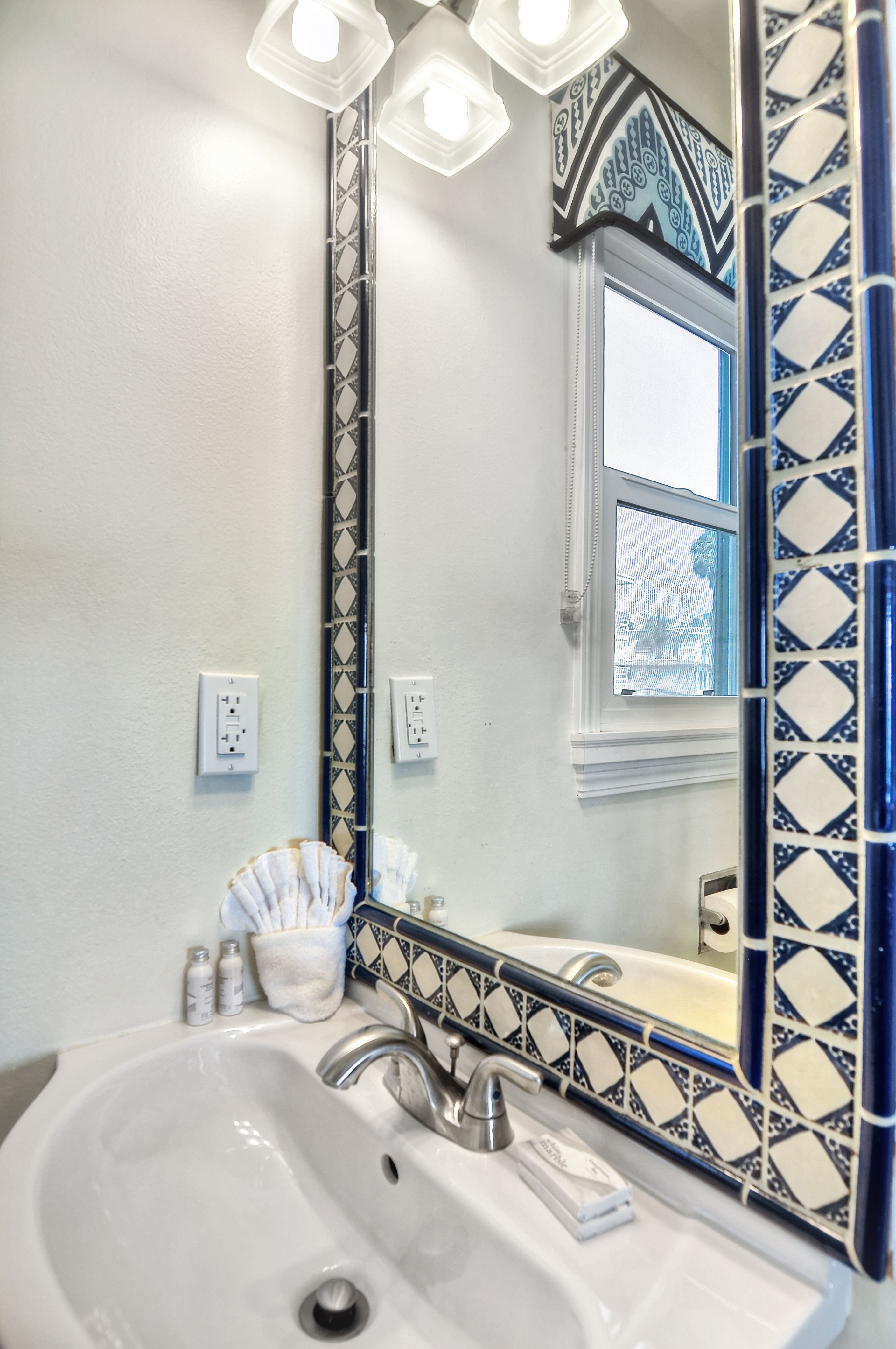 Exelent Mexican Tile Bathroom Ideas Gift - Bathroom planner - ubag.info