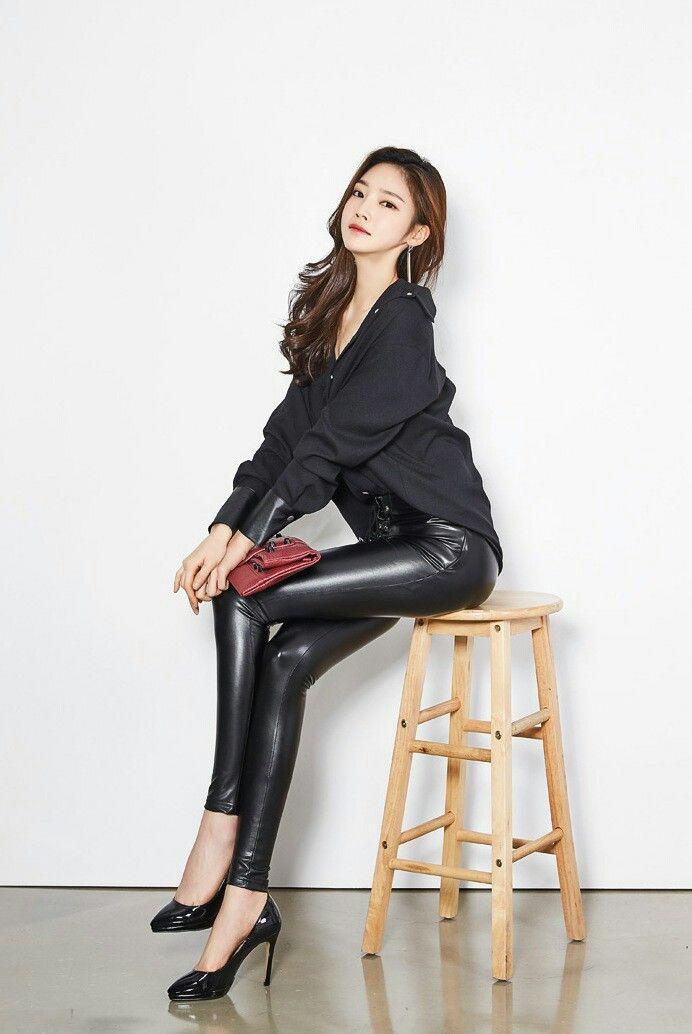 ff008e5e08d20 Lederlady ❤ Asian Doll, Asia Girl, Leather Leggings, Girls Wear, Leather  Fashion
