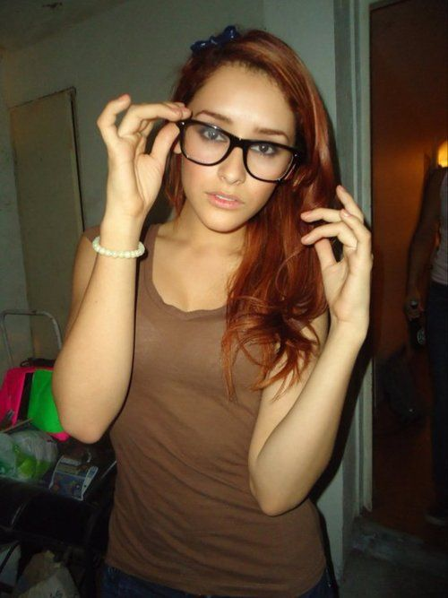 Heiße Babes in Gläsern