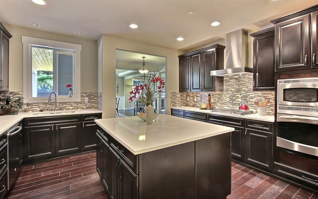 Best Traditional Kitchen With Kitchen Island Limestone 400 x 300