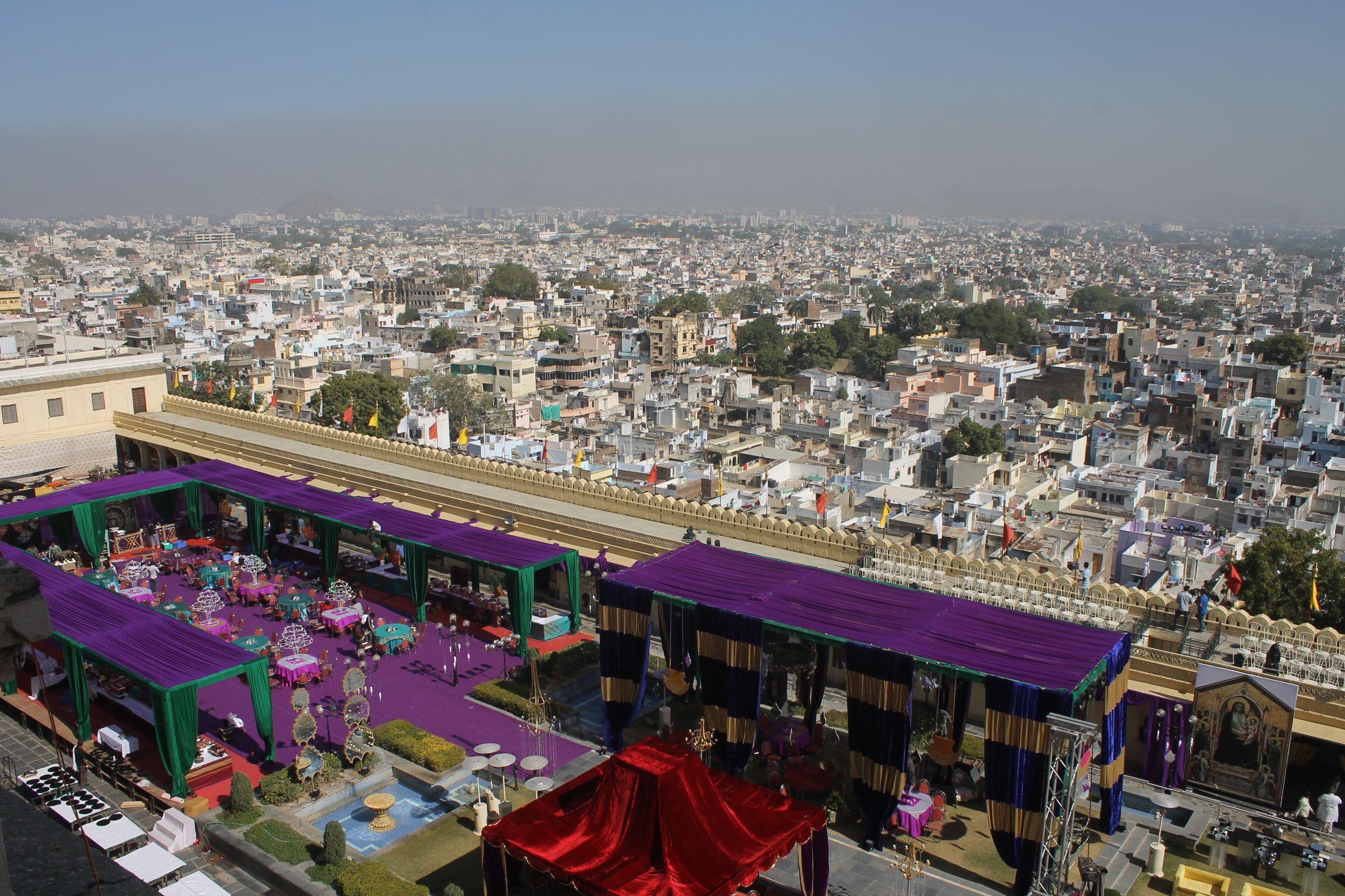 Fiesta VIP y vistas de Udaipur