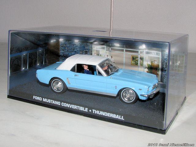No.30 Ford Mustang Convertible - James Bond   Ford mustang convertible