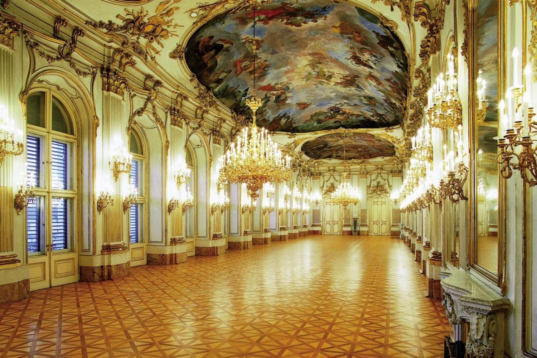 Schönbrunn B10447299bd0a6a6703b0c2f026582a4