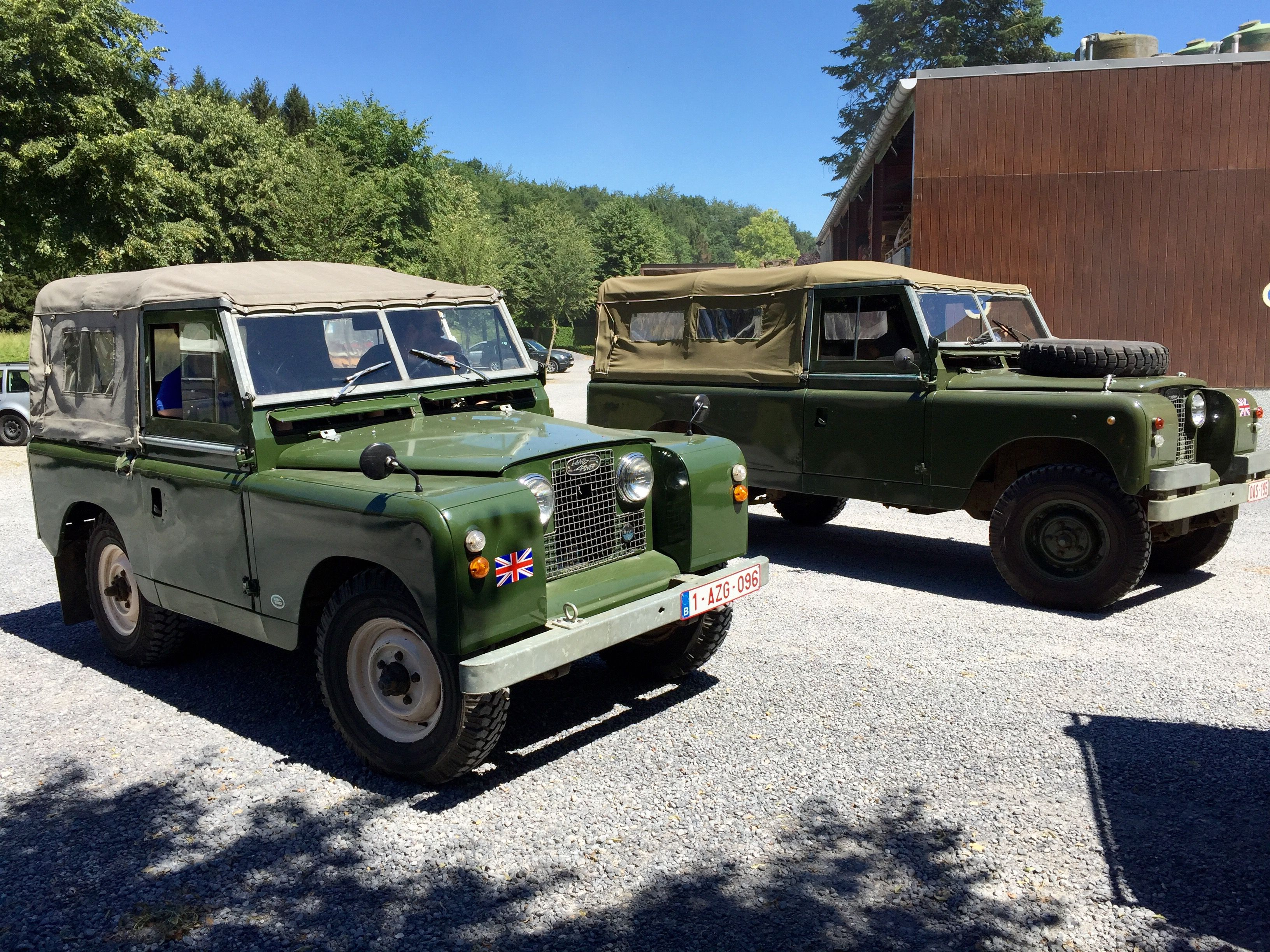 Land Rover 88 and 109 Serie II A soft top canvas in fraternity.