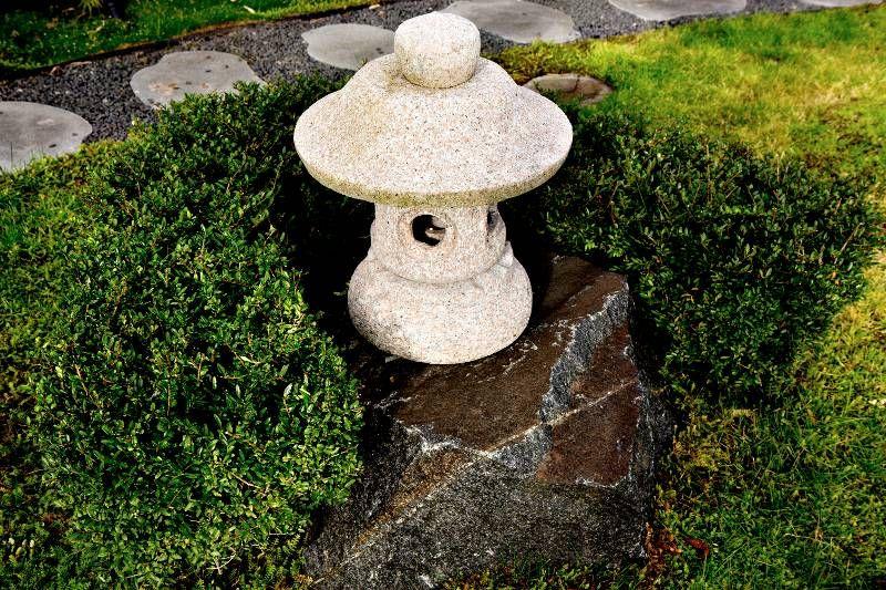 japansk lykta granit