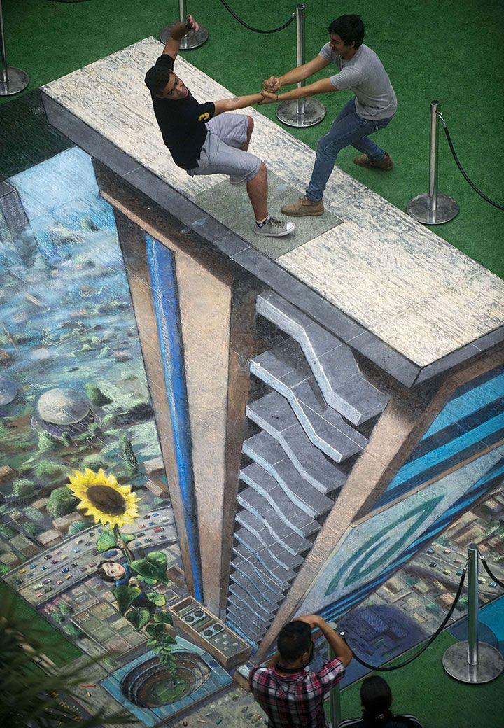 Admirez ces rues métamorphosées en de magnifiques fresques surréalistes qui subjuguent les passants