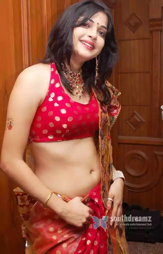 Hot and Sexy HD Images of Indian Film Actresses and Models: Nicole