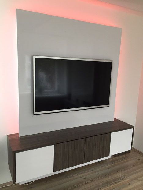 Fernsehwand holz  Referenzen - TV WALL TV Wand | Fernsehwand aus Schreinerhand | TV ...
