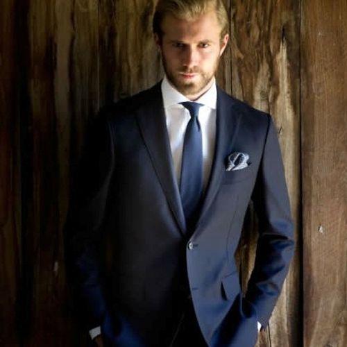 como-debe-vestirse-un-hombre-para-asistir-como-invitado-a-una-boda ... 7948f188759